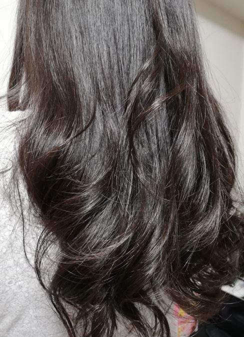 エアラップスタイラーで髪を巻いた横画像